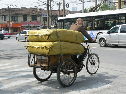 Shanghai-guy-on-bike
