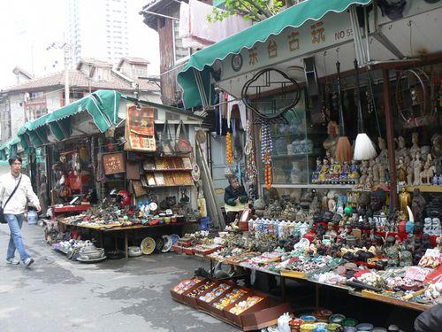 Shanghai-market-antiques