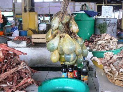 Cuzco-Market--raw-meat