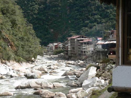 Machu-Picchu---riverside-Vi