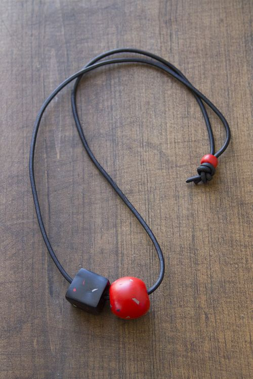 FMFY_ClayBeads_black_red