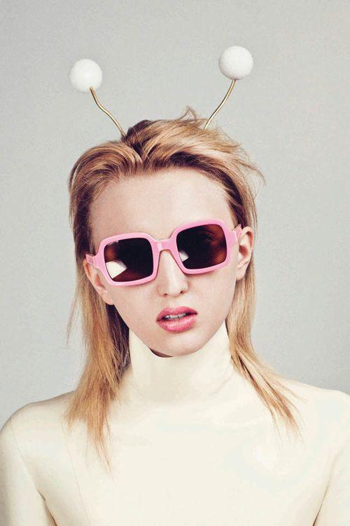 She-wears-Cabbie-in-Pink