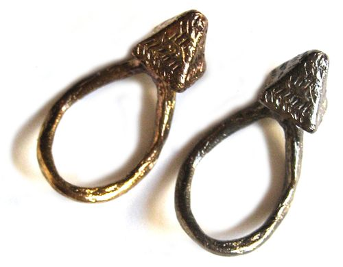 Etched pyramid ring - BOTH