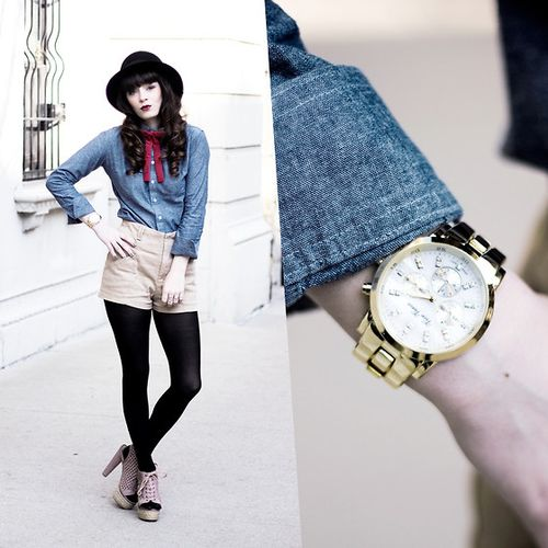 1929324_lookwithwatch2