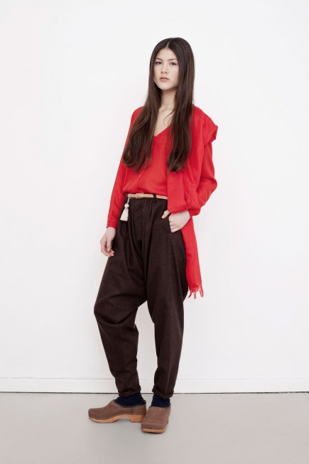 Websize-Leyla-blouse-Nat-trousers-435x653