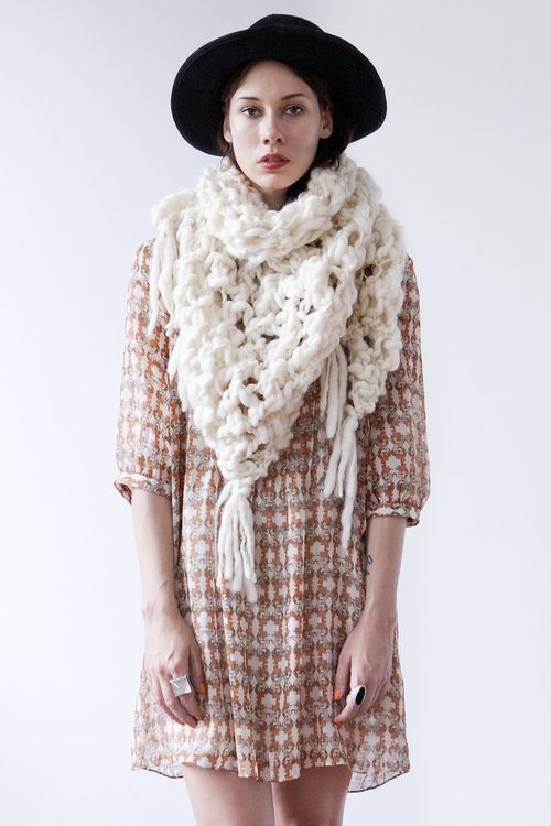 Belleville-shawl-natural-gnda-