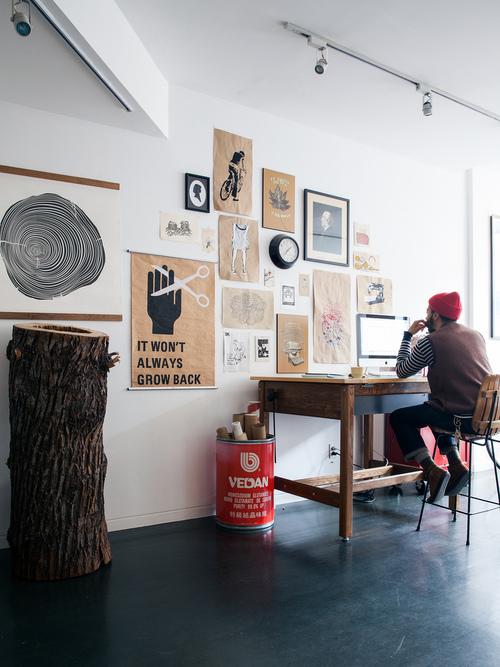 Decorar con murales y madera