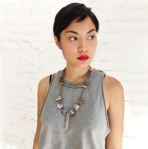 Isis_necklace_model