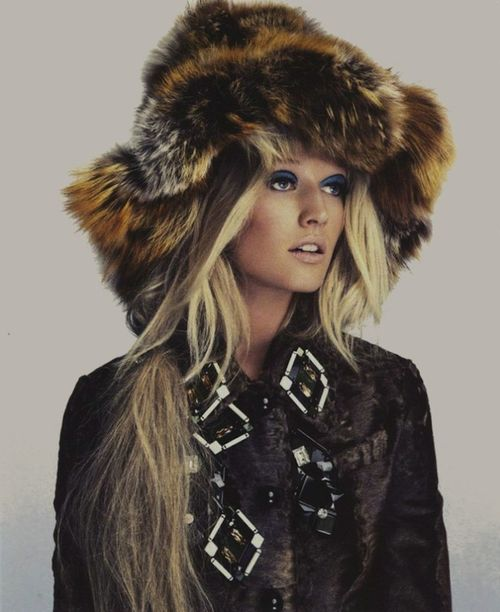 The-libertine-magazine-tonis-tribe-toni-garrn-by-nino-munoz-for-numero-china-november-2012-8
