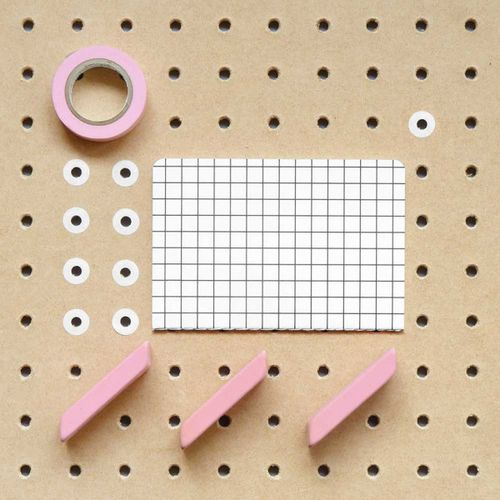 Stationary-Compositions_PresentCorrect_11-600x600
