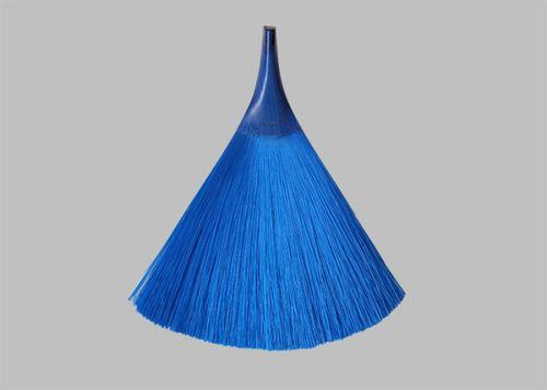 AndreyAndShay-Monobloc-Brushes-1-600x428