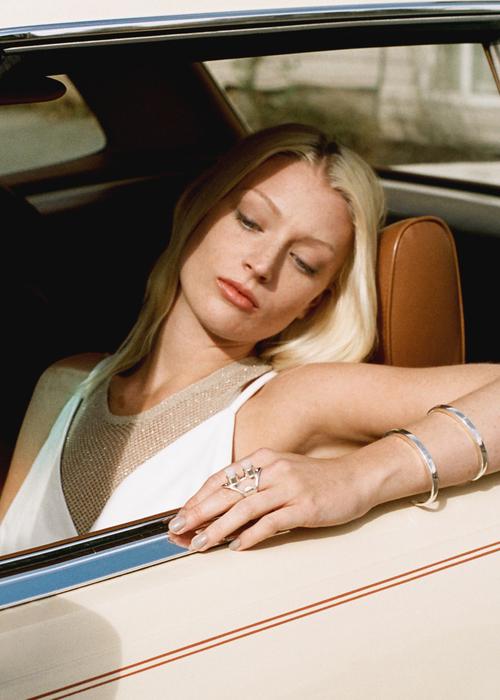 Wednesday_jewellery_bracelet_cylinder