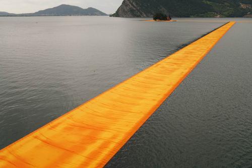 Christo-floating-piers-lake-iseo-italy-2