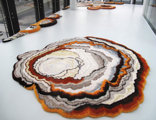 Decaying-rugs-by-lizan-freijsen-20