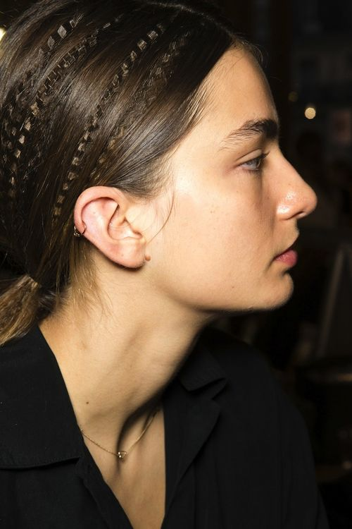 2-Le-Fashion-Blog-Hair-Inspiration-Crimped-Ponytails-Stella-McCartney-SS-2015-Andreea-Diaconu-Piercing-Via-Vogue-UK