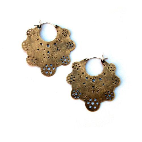 Laurel-hill-brass-crop-circle-hoop-earrings_2048x2048_1024x1024