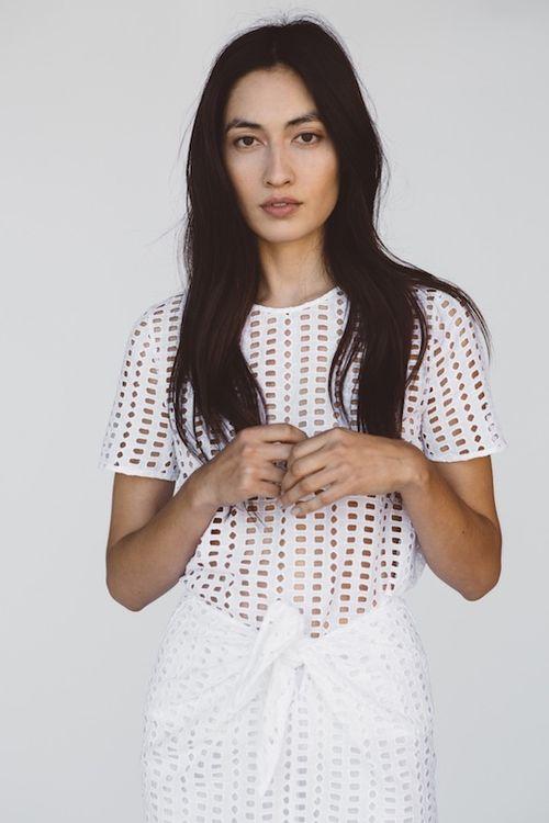 Le-Fashion-Blog-Jenni-Kayne-Resort-2016-White-Eyelet-Cut-Out-Look-Via-Style-Com