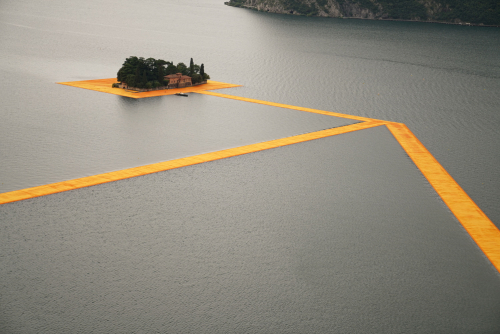 Christo-floating-piers-lake-iseo-italy-4