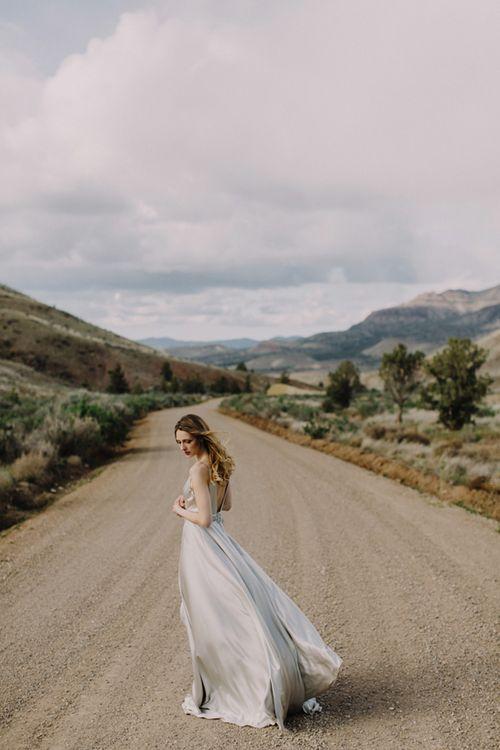 Honey-kennedy-eizabeth-dye-bridal-painted-hills-06