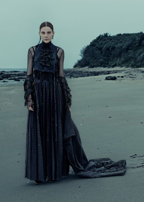 Gothic-Outfit-Inspiration-ELLE-Germany09